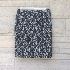 Worthington Black lace over white skirt Sz 4